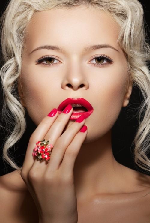 makijaż, szminka, manicure