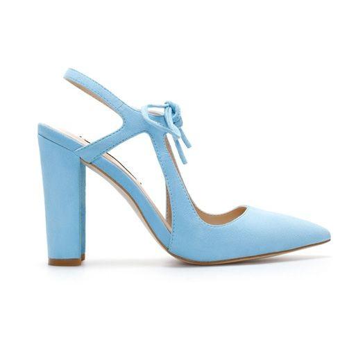 Błękitne czółenka, Zara