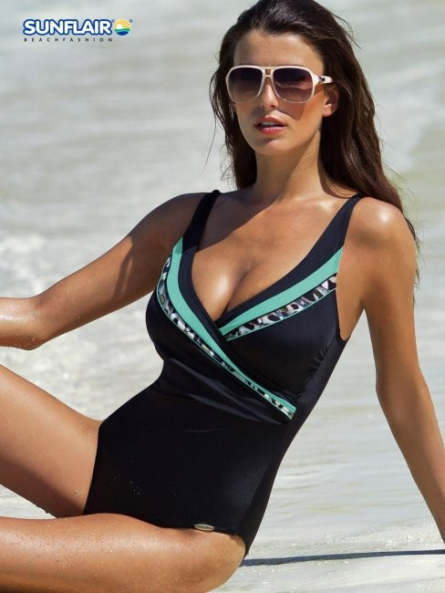 Jednoczęściowy kostium Sunflair, 435 zł