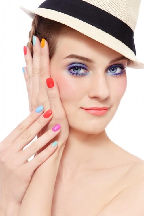 paznokcie, kobieta, kapelusz, makijaż