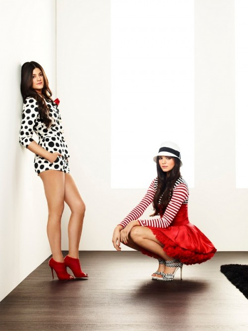"""Siostry Kardashian w stylowym wydaniu - reklamówka kanału """"E!"""""""