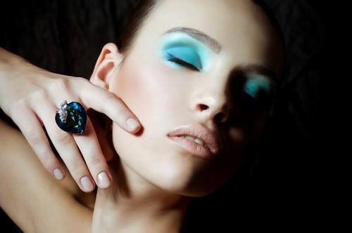 niebieski makijaż, trendy wiosna-lato 2013