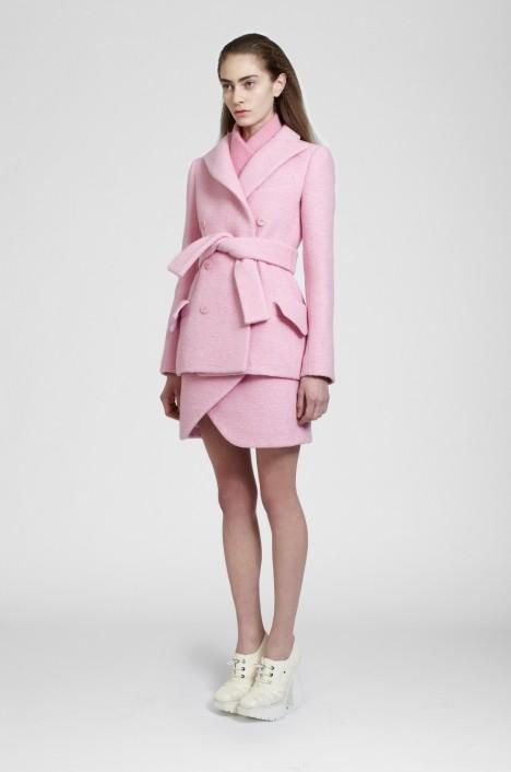 Różowy płaszcz Carven - jesień-zima 2013/2014