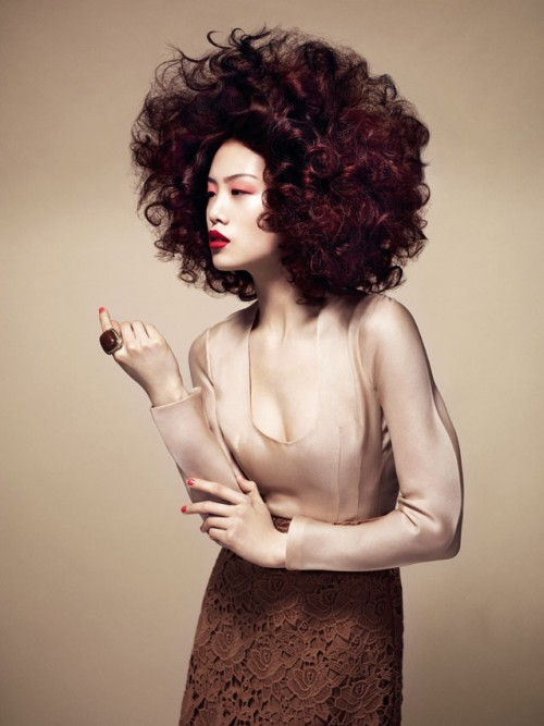 Trend retro lat 40. z kolekcji Essential Looks 2.2013 Schwarzkopf Professional – COLOUR BURST
