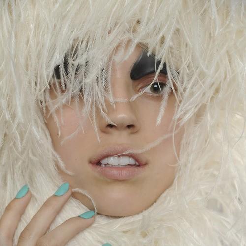 makijaże wiosna-lato 2014 - trendy - tydzień mody w Paryżu - pokaz Gareth Pugh