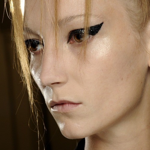 makijaże wiosna-lato 2014 - trendy - tydzień mody w Paryżu - pokaz Haider Ackermann