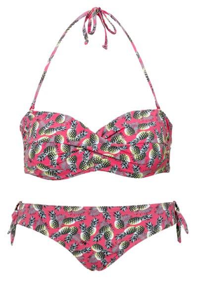 Kostiumy kąpielowe w egzotyczne wzory, C&A, cena: góra - 34,90 zł, dół - 34,90 zł