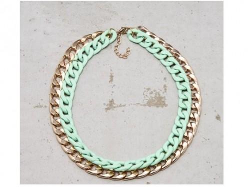 Duży naszyjnik-łańcuch, dwukolorowy, Cropp, cena: 34,99 zł.