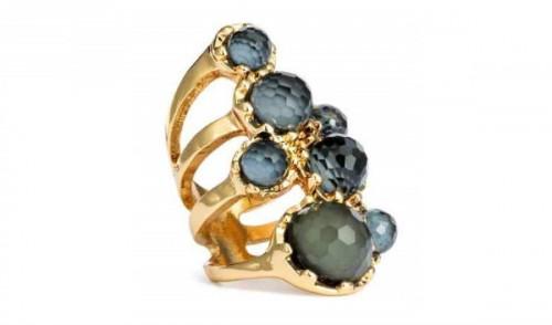 Duży pierścień, H&M, cena: 29,90 zł.