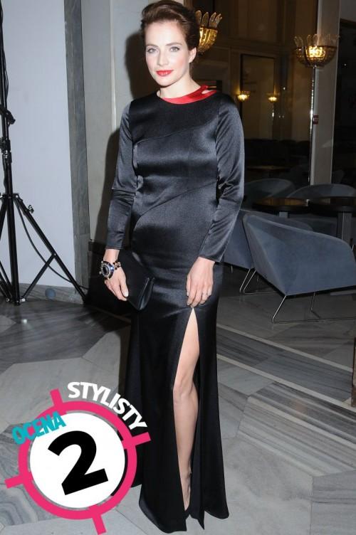 Anna Dereszowska w czarnej sukience