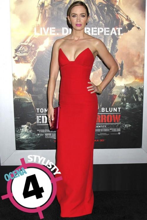 Emily Blunt w czerwieni