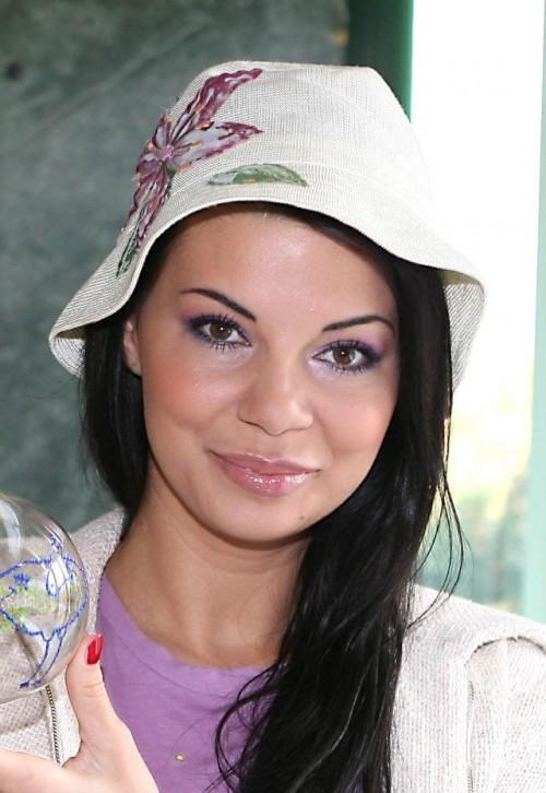 Edyta Górniak, makijaż, fryzury