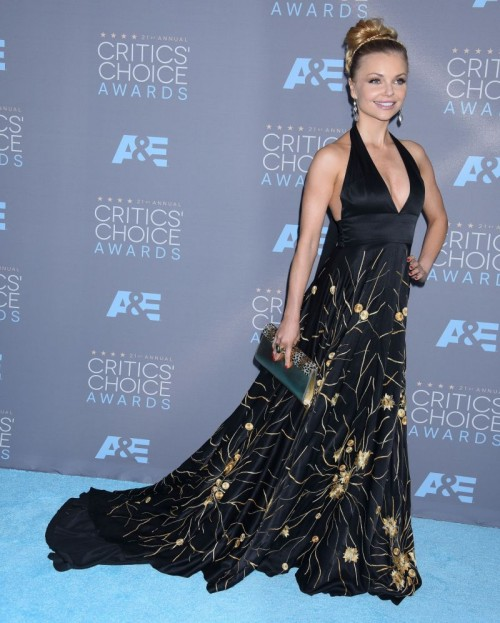 Critics Choice Awards: Izabella Miko