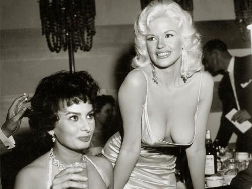 Jayne Mansfield i Sophia Loren w 1957 roku