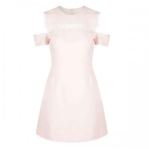 Różowa sukienka z wycięciami na ramionach Topshop, cena