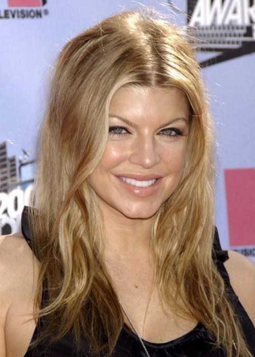 Fergie, makijaż, fryzury