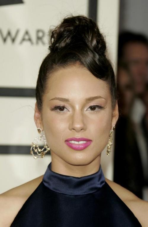 Alicia Keys, makijaż, fryzury