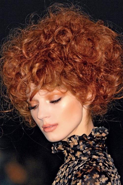 kobieta, modelka, makijaż, fryzury, loki