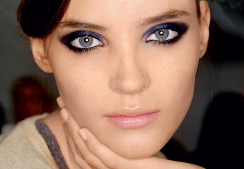 kobieta, modelka, makijaż, fryzury, makijaż oczu, smoky eyes