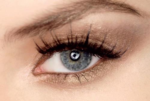 makijaż, sztuczne rzęsy