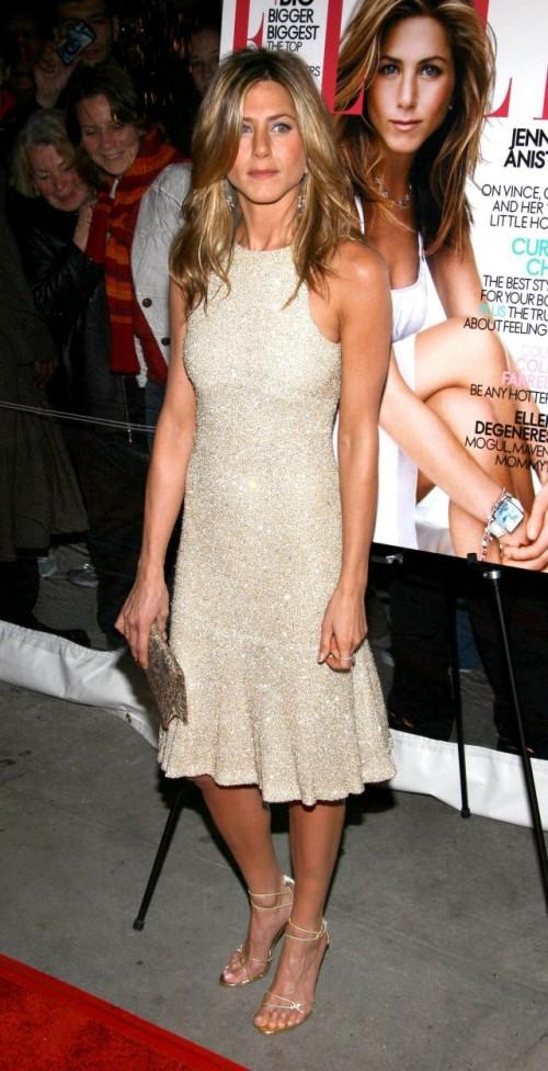 Jennifer Aniston nie lubi szokować, najlepiej czuje się w prostym ...