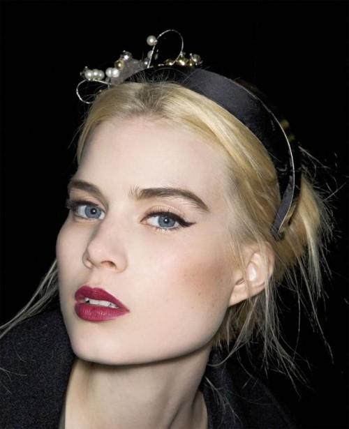 makijaż dla blondynki, makijaż trendy, na imprezę