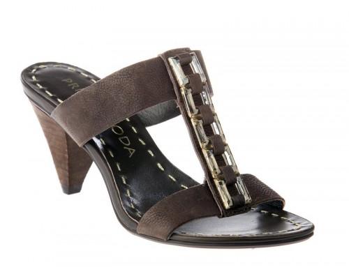 Prima Moda - klapki i sandały na wiosnę i lato 2010 - Zdjęcie 1