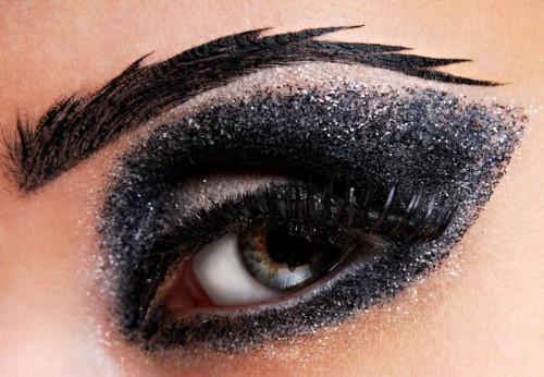 Makijaż wieczorowy oczu - karnawał - Zdjęcie 1