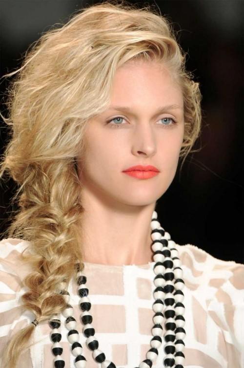 fryzury, trendy, na plażę, długie włosy