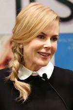 Fryzury dla prostych włosów - Nicole Kidman