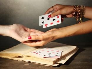 Andrzejki 2012, wróżby na andrzejki, wróżenie z kart, wróżby z kart, jak postawić karty