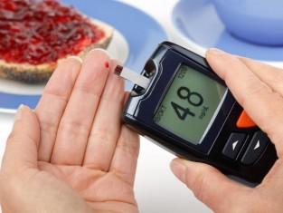 Cukrzyca, insulina, badanie. Fot. Fotolia/ Edipresse