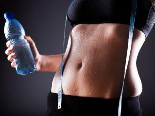 Płaski brzuch ćwiczenia w domu - jak trenować krok po kroku