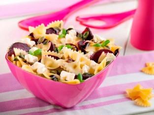 sałatka z makaronem i burakami przepis, sałatka makaronowa z burakami przepis, sałatka makaronowa z warzywami