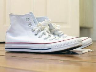 jak wyczyścić białe buty, jak wyczyścić białe trampki, jak wyczyścić białe tenisówki