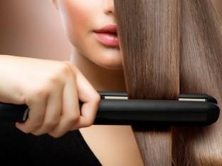 Jak używać prostownicy do włosów