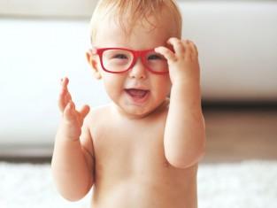 Problemy ze wzrokiem u dziecka - 7 objawów