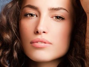 10 błędów, które odbierają włosom urodę