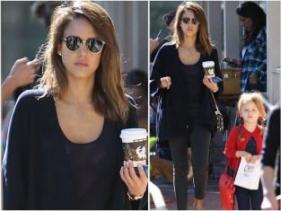 Jessica Alba z córką na spacerze