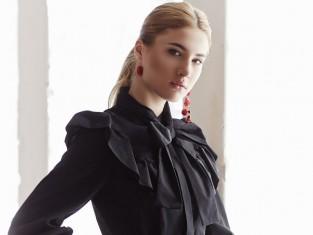 co zrobić żeby czarne ubrania nie wyblakły, jak prać czarne ubrania, jak zachować kolor czarnych ubrań