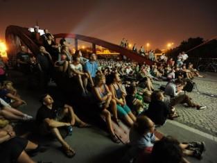jak spędzić wieczór w mieście- letnie kino SKODA