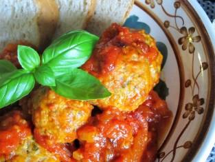 pulpety w sosie pomidorowym przepis, przepis na pulpeciki w sosie pomidorowym, jak zrobić pulpety w sosie