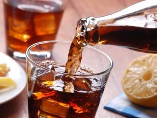 5 nietypowych zastosowań napojów gazowanych w domu