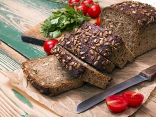 ciemny chleb chroni przed rakiem