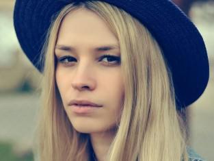 Jak dbać o włosy blond