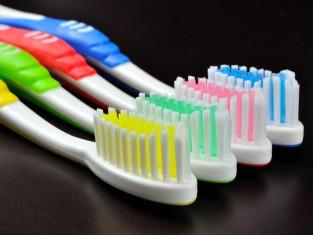5 nietypowych zastosowań szczoteczki do zębów