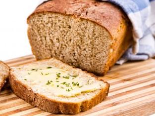 domowy chleb pełnoziarnisty przepis, przepis na domowy chleb, jak zrobić chleb w domu