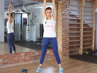 Trening na wysmuklenie pleców, ramion i brzucha krok po kroku