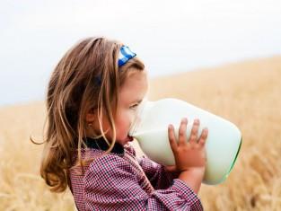Czy dziecko ma alergię na mleko? Sprawdź!