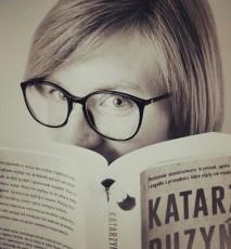 """""""Więcej czerwieni"""" - książka Katarzyny Puzyńskiej"""